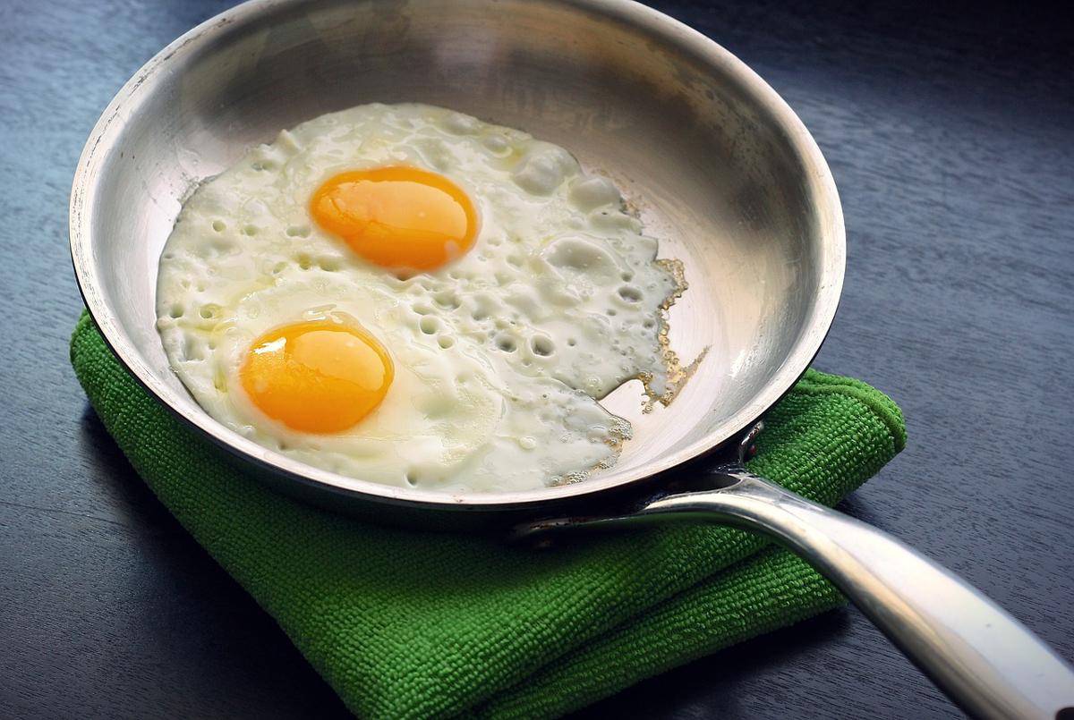 cuantos huevos se puede comer al dia