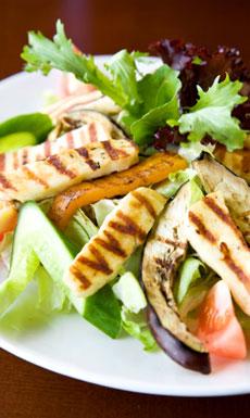 Si quieres adelgazar debes cenar una comida completa que contenga estos nutrientes